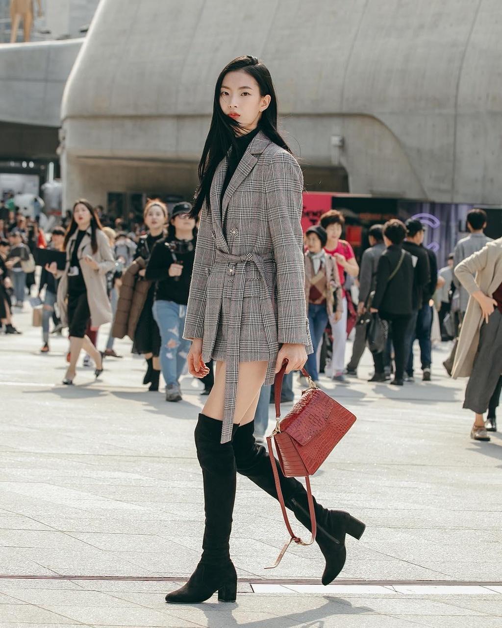 Hinh anh A quan The Face tai Seoul Fashion Week len Vogue hinh anh 18