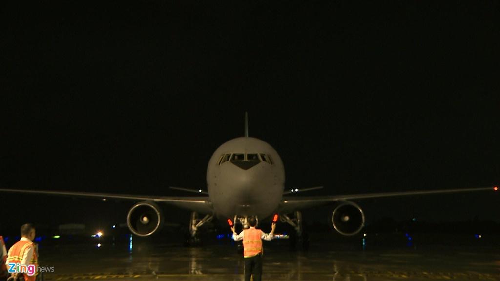 Thu tuong Shinzo Abe di Air Force One cua Nhat den Da Nang hinh anh 10
