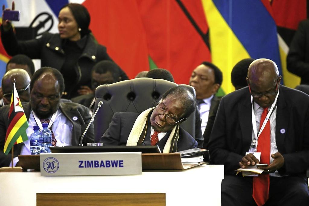 Nhung lan ngu gat cua tong thong Zimbabwe hinh anh 5