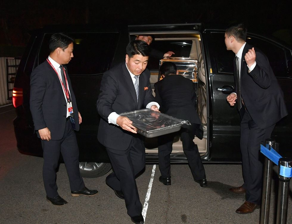 Hau truong cuoc gap lich su cua Kim Jong Un va TT Han Quoc hinh anh 1