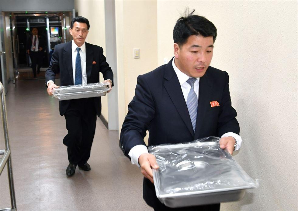 Hau truong cuoc gap lich su cua Kim Jong Un va TT Han Quoc hinh anh 2