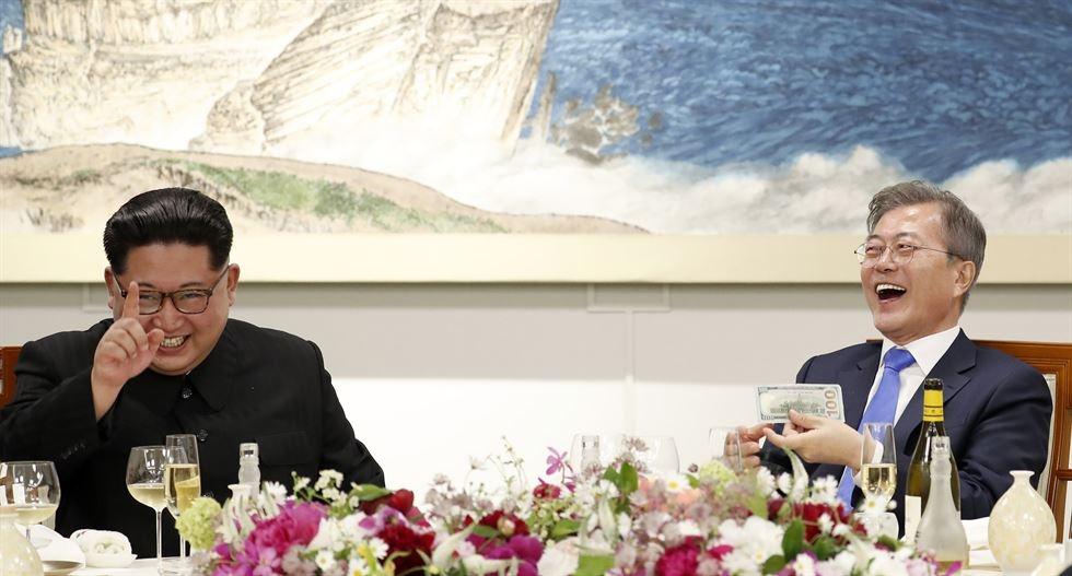 Hau truong cuoc gap lich su cua Kim Jong Un va TT Han Quoc hinh anh 4