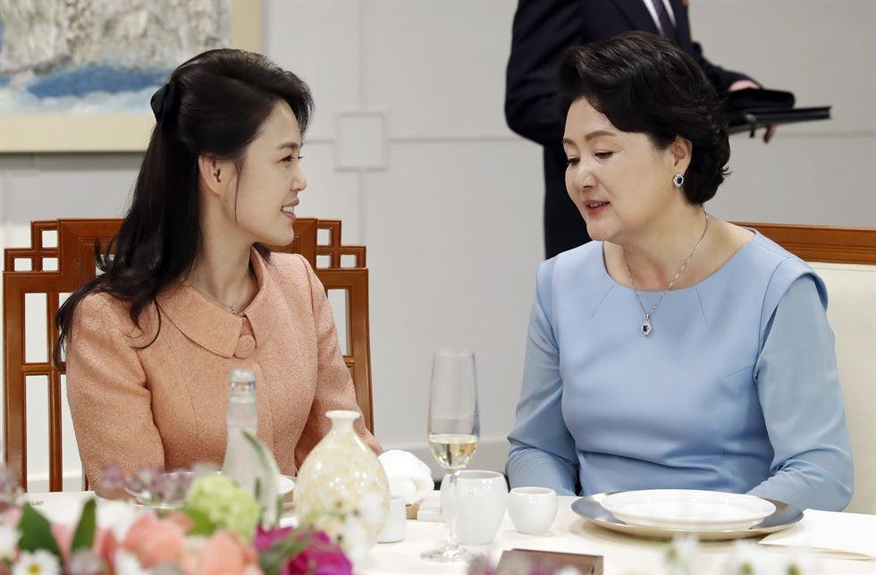 Hau truong cuoc gap lich su cua Kim Jong Un va TT Han Quoc hinh anh 7