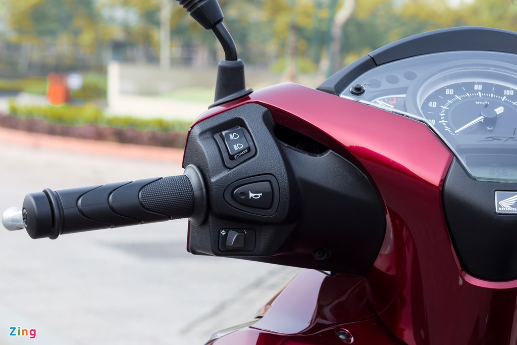 Anh Honda SH 150i ABS 2017 mau do, gia 90 trieu vua ban o VN hinh anh 6