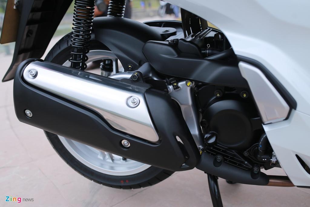 Anh thuc te Honda SH 300i ABS gia 248 trieu vua ra mat o VN hinh anh 12