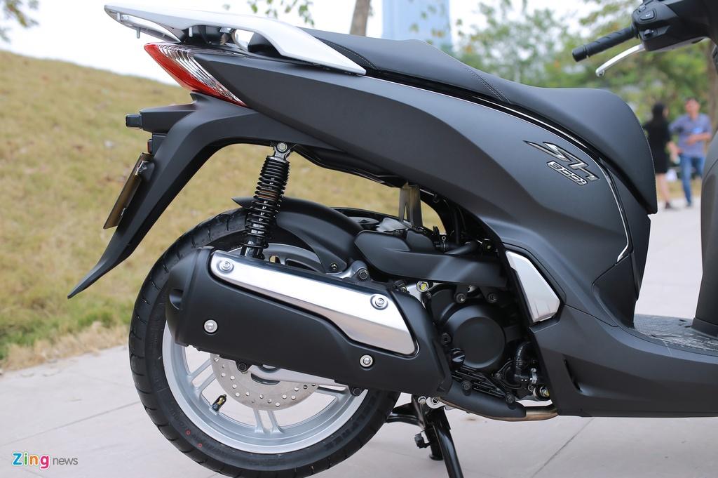 Honda SH 300i ABS mau xam den o Viet Nam anh 9