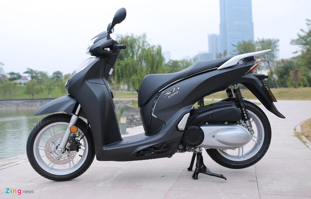 Honda SH 300i ABS mau xam den o Viet Nam anh 1