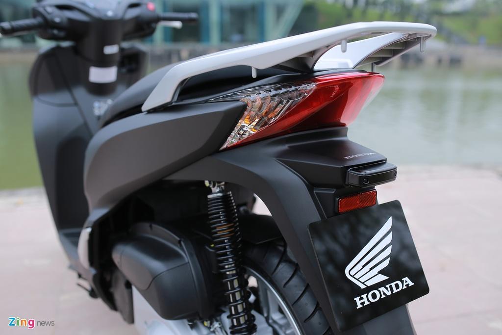Honda SH 300i ABS mau xam den o Viet Nam anh 7