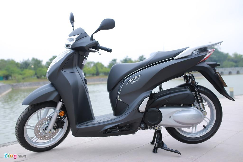 Honda SH 300i ABS mau xam den o Viet Nam anh 11