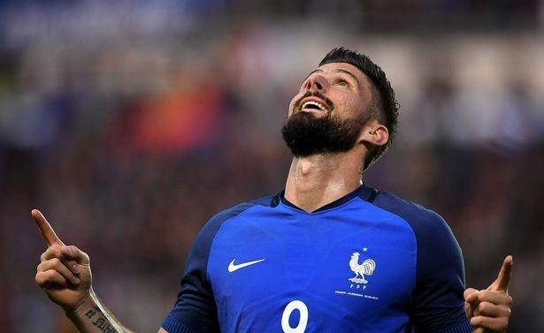 Top 10 doi tuyen co ao thi dau dep nhat Euro 2016 hinh anh 3