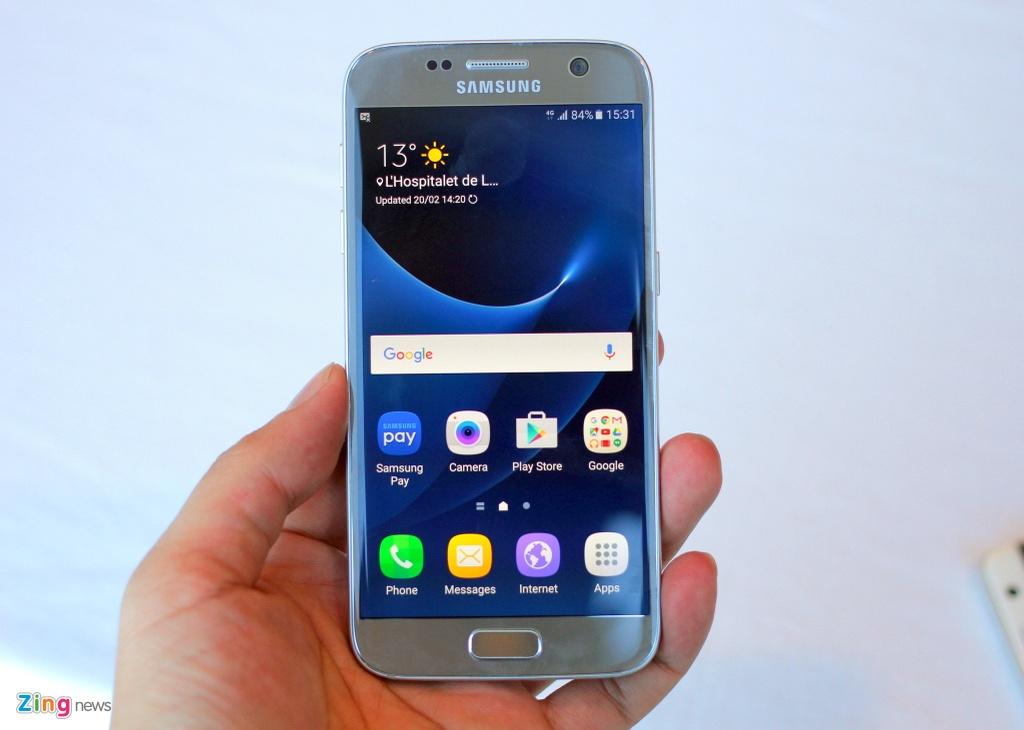 Thuc te Samsung Galaxy S7: Lung cong, chong nuoc hinh anh 1