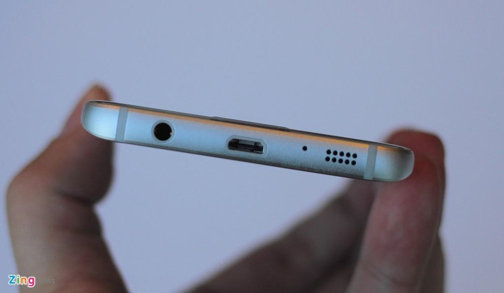 Thuc te Samsung Galaxy S7: Lung cong, chong nuoc hinh anh 10