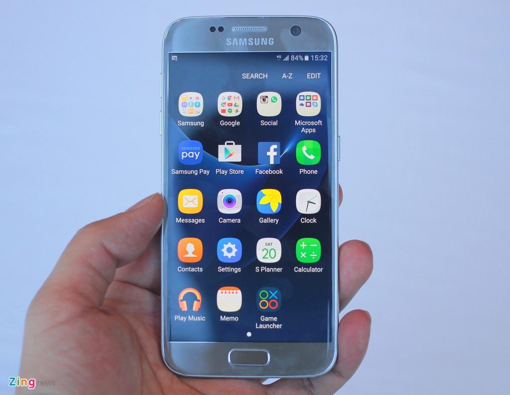 Thuc te Samsung Galaxy S7: Lung cong, chong nuoc hinh anh 3