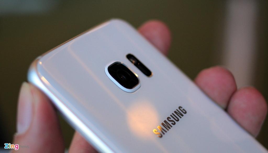 Anh, video thuc te Galaxy S7 edge voi man hinh cong 2 mat hinh anh 13