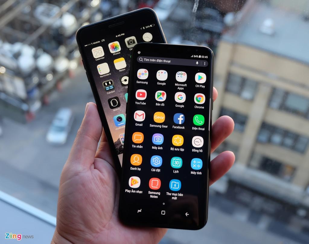 Galaxy S8+ so dang iPhone 7 Plus: Nho hon du man hinh lon hinh anh 7