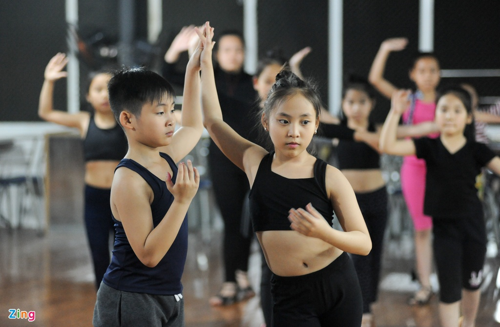 Anh em sinh doi 10 tuoi gianh 118 huy chuong Dance Sport hinh anh 6