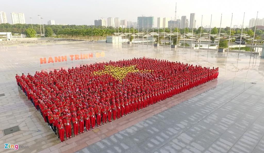 2.000 nguoi xep hinh la co Viet Nam tai Ha Noi hinh anh 7