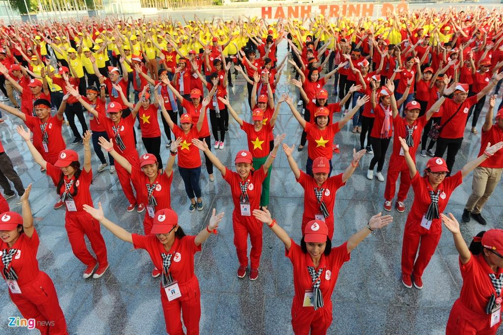 2.000 nguoi xep hinh la co Viet Nam tai Ha Noi hinh anh 8