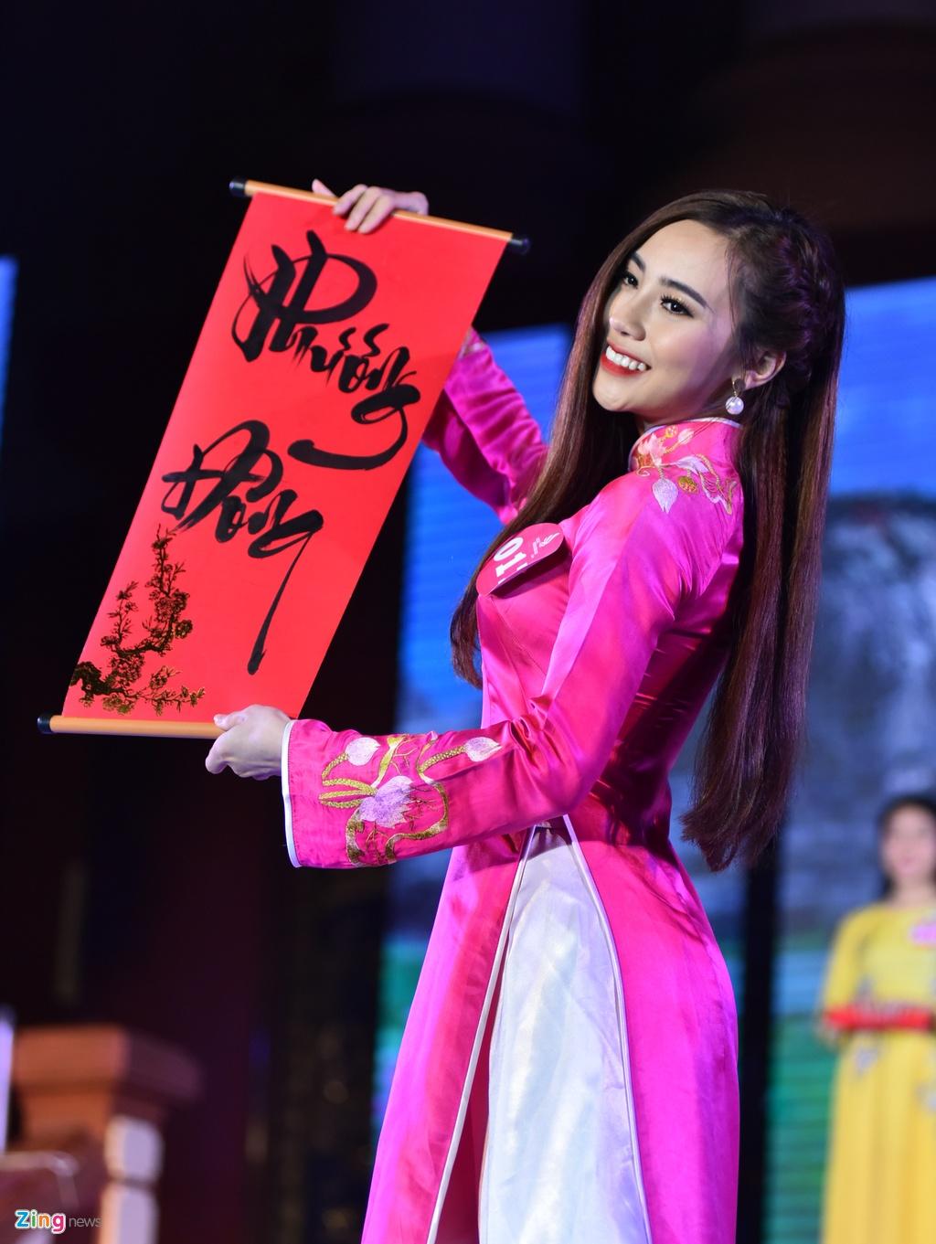 Dai hoc Phuong Dong tim ra cap sinh vien dep nhat truong hinh anh 3