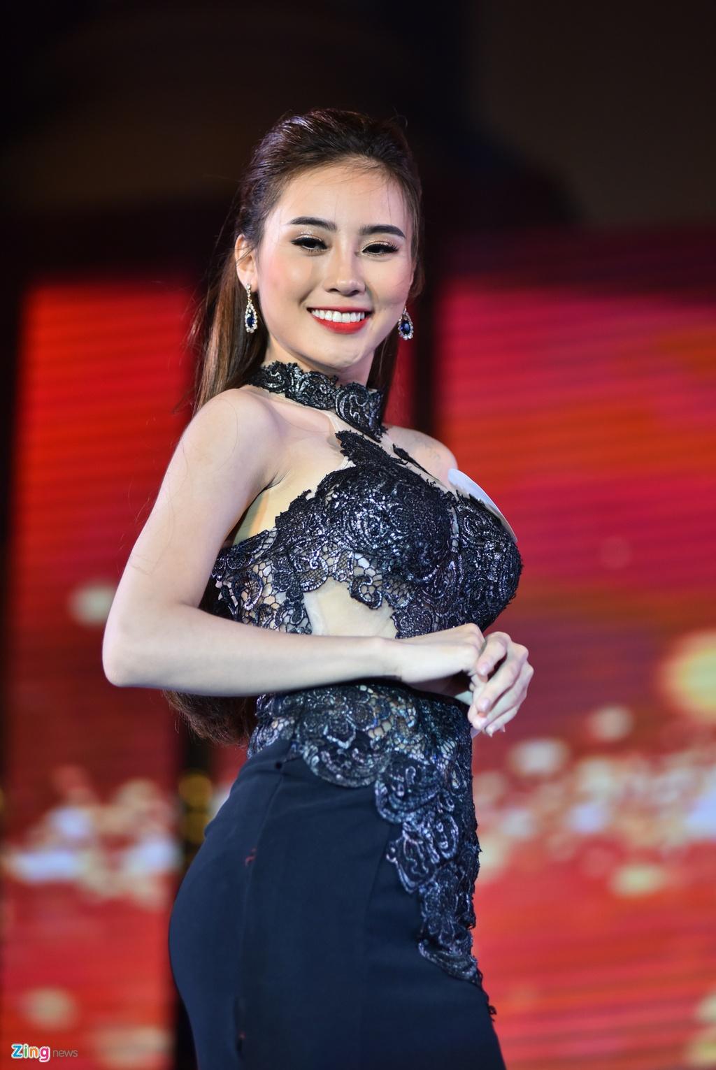 Dai hoc Phuong Dong tim ra cap sinh vien dep nhat truong hinh anh 7