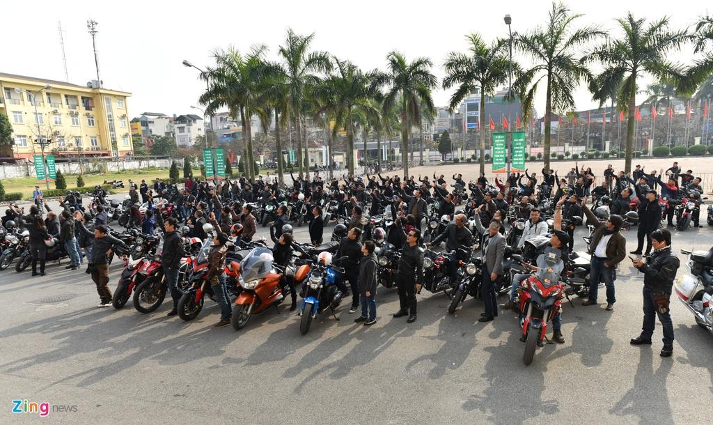 MC Anh Tuan dan 160 moto dieu hanh tuong nho Tran Lap hinh anh 1
