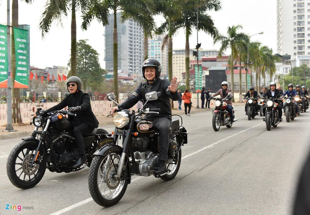 MC Anh Tuan dan 160 moto dieu hanh tuong nho Tran Lap hinh anh 4