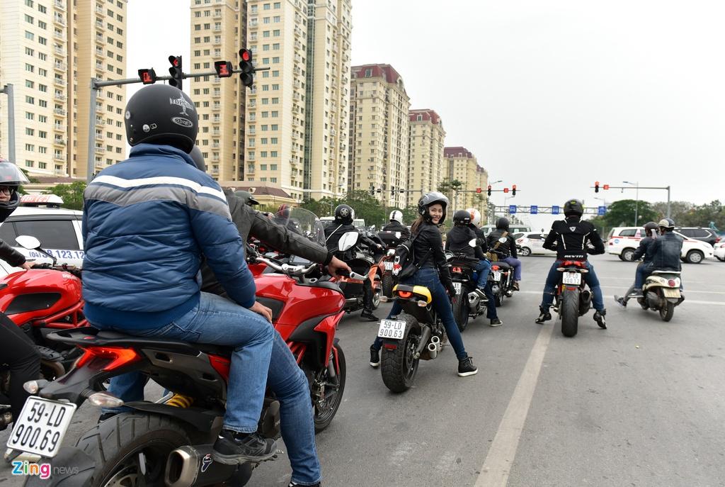MC Anh Tuan dan 160 moto dieu hanh tuong nho Tran Lap hinh anh 8