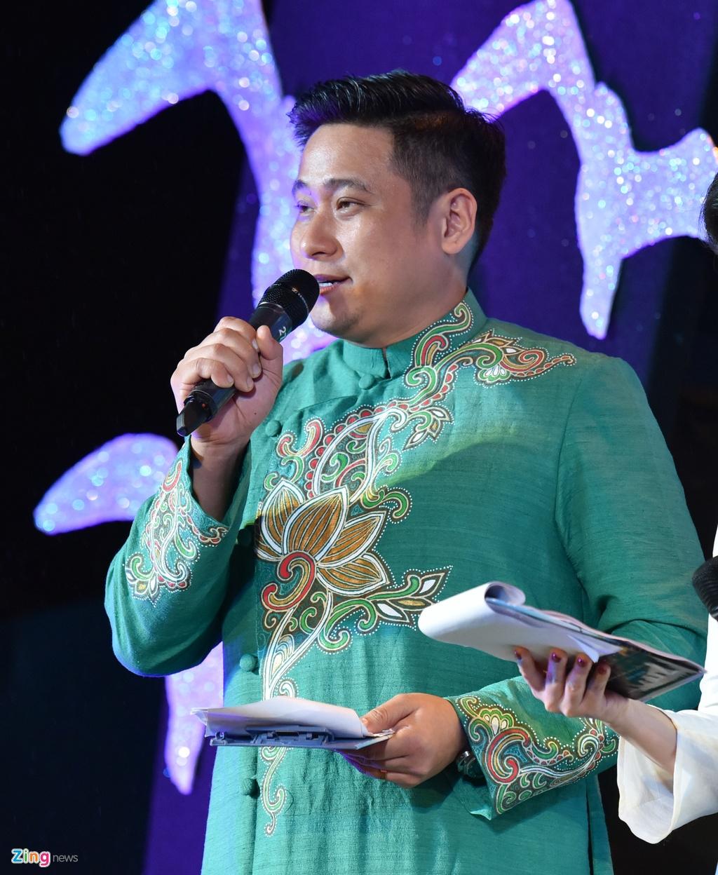 Khan gia Da Nang dung lang duoi mua ung ho nghe si o Lien hoan phim hinh anh 8