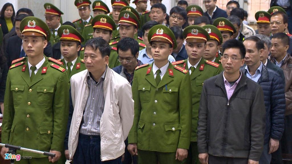 Dinh La Thang cung 21 bi cao trong phien toa tuyen an hinh anh 4