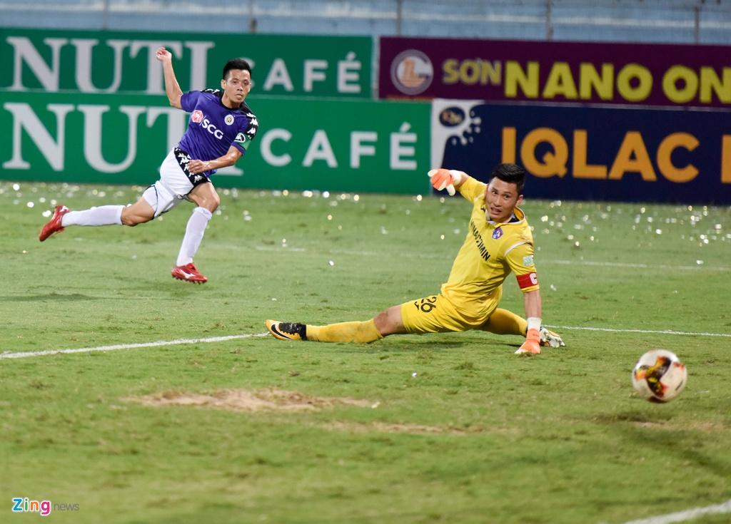 CLB Ha Noi dai thang doi Quang Ninh trong ngay sinh nhat hinh anh 7