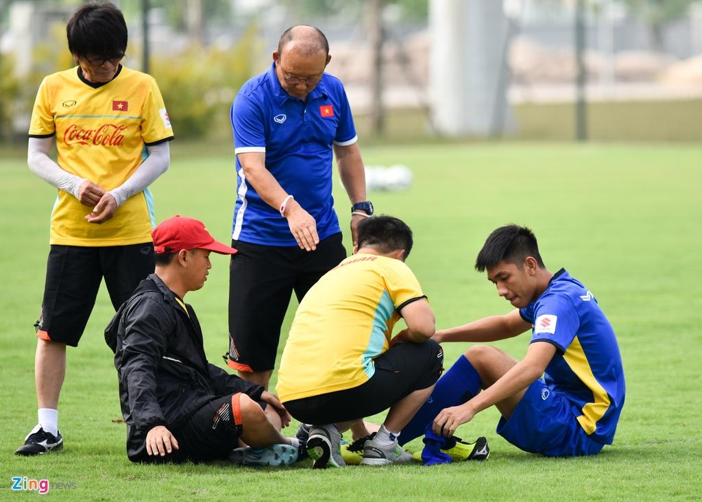 Cong Phuong, Van Toan vui ve trong buoi tap cua U23 VN hinh anh 5