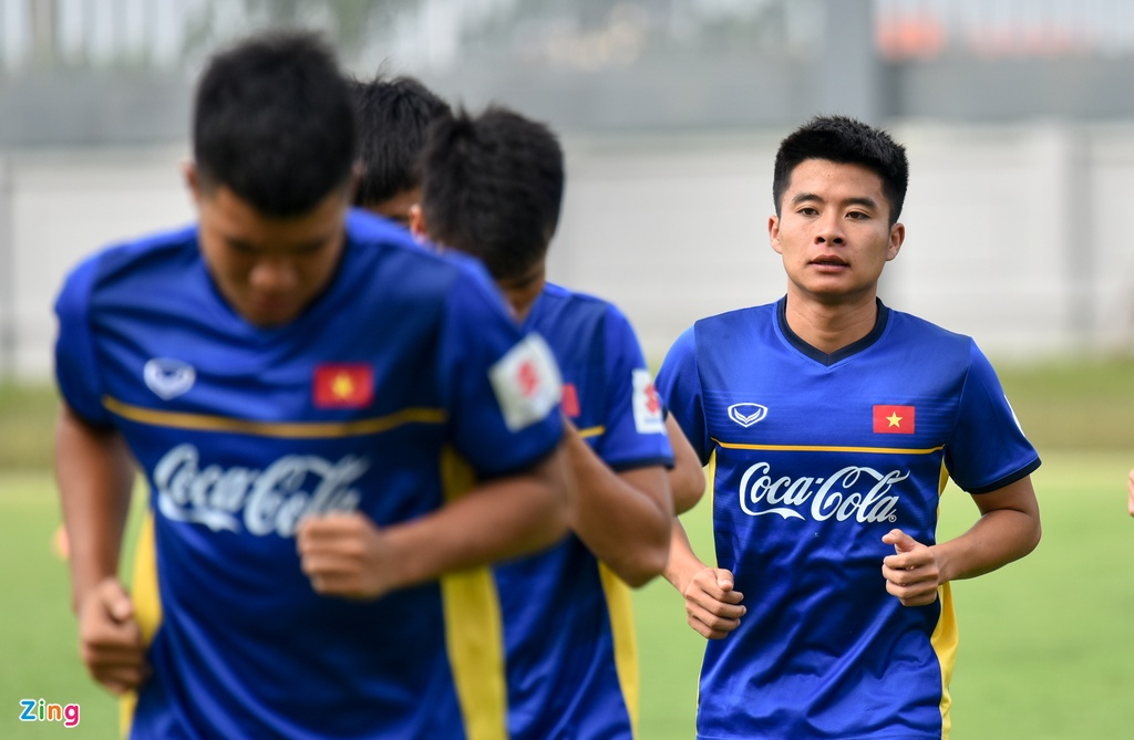 Cong Phuong, Van Toan vui ve trong buoi tap cua U23 VN hinh anh 6