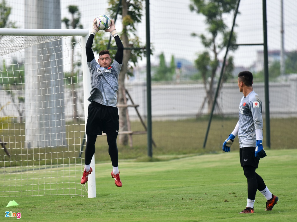 Cong Phuong, Van Toan vui ve trong buoi tap cua U23 VN hinh anh 7