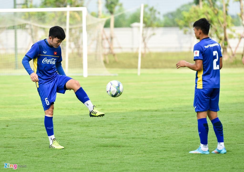 Cong Phuong, Van Toan vui ve trong buoi tap cua U23 VN hinh anh 8