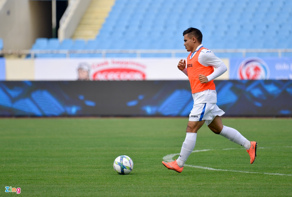 U23 Viet Nam choi bong nem duoi troi mua nang hat hinh anh 13