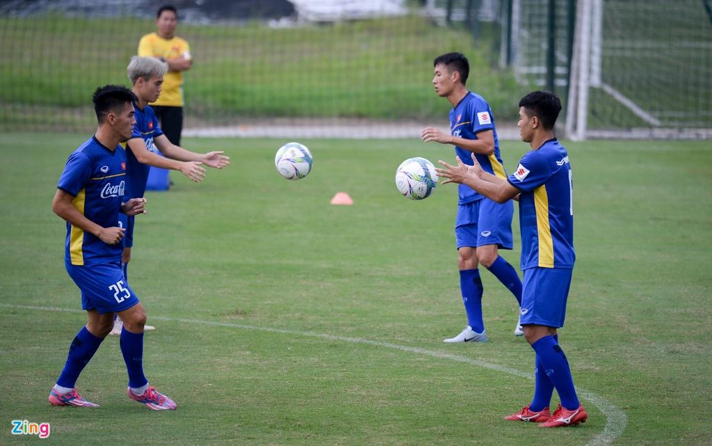 Thay Park huong dan da phat goc kieu Anh cho Cong Phuong, Tien Dung hinh anh 10