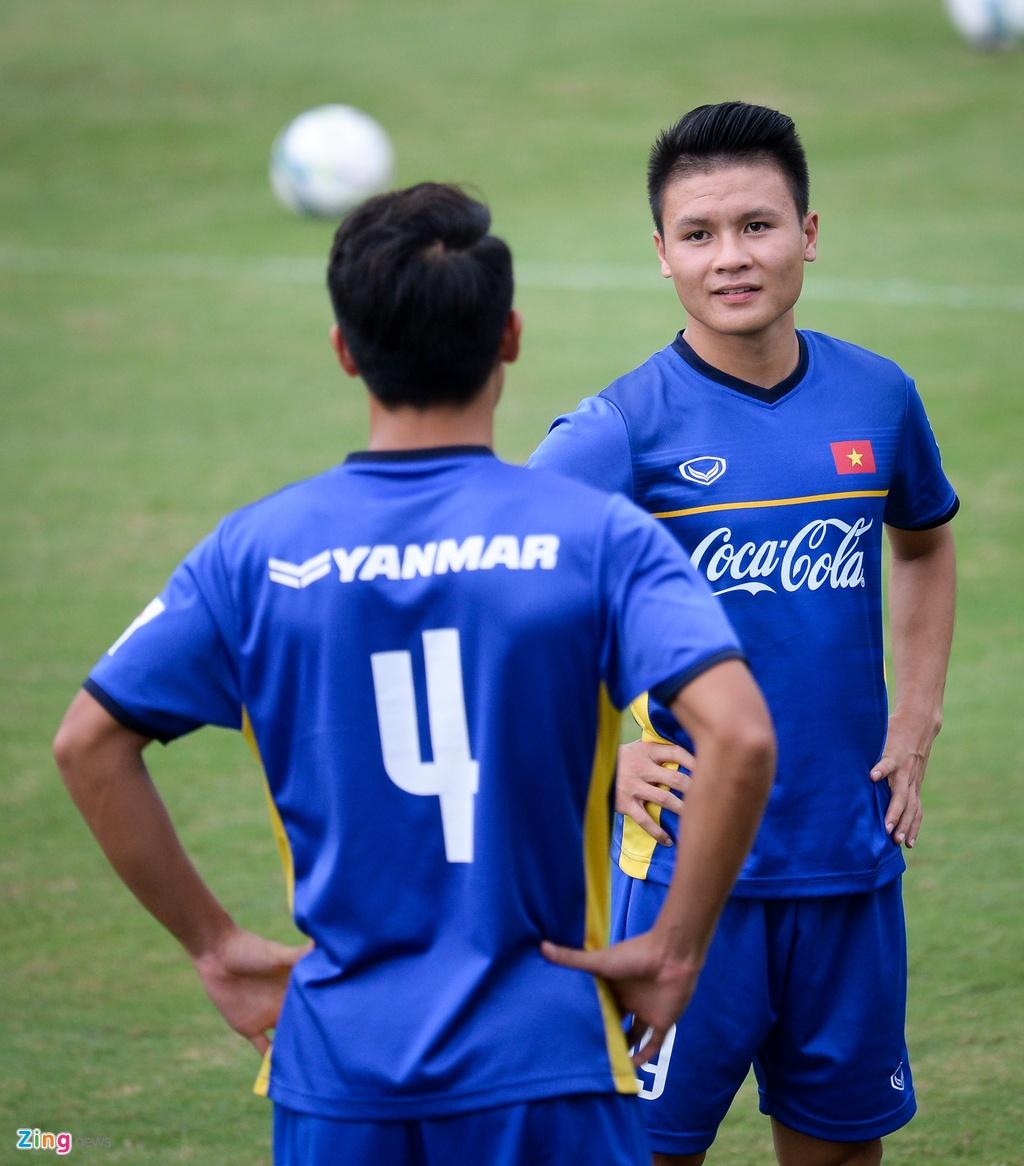 Thay Park huong dan da phat goc kieu Anh cho Cong Phuong, Tien Dung hinh anh 2