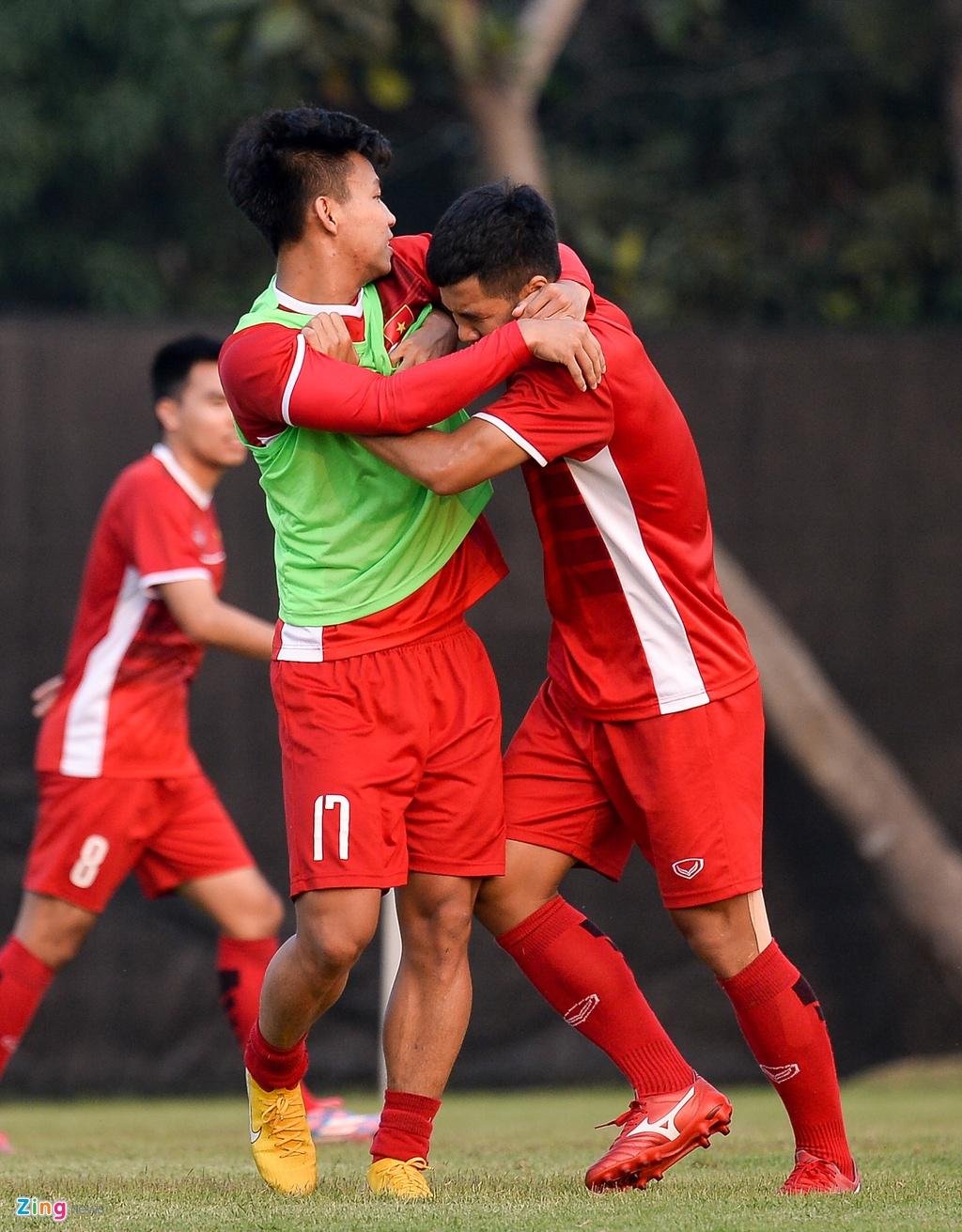 Olympic Viet Nam tap mo, Bahrain tap kin truoc tran dau knock-out hinh anh 3