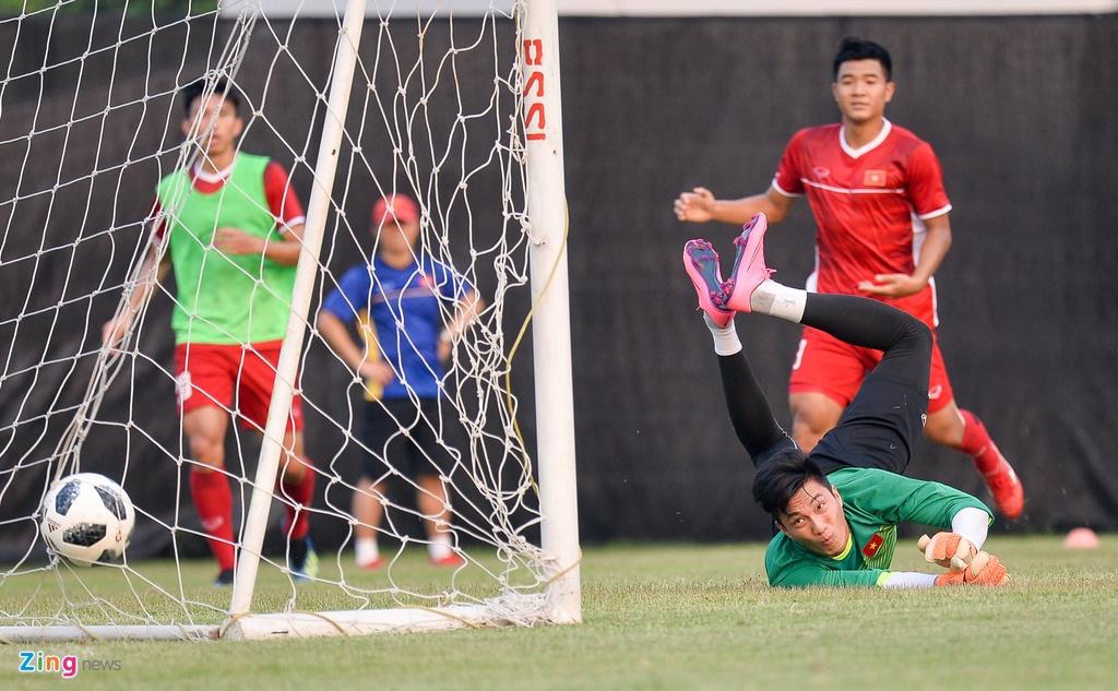 Olympic Viet Nam tap mo, Bahrain tap kin truoc tran dau knock-out hinh anh 6