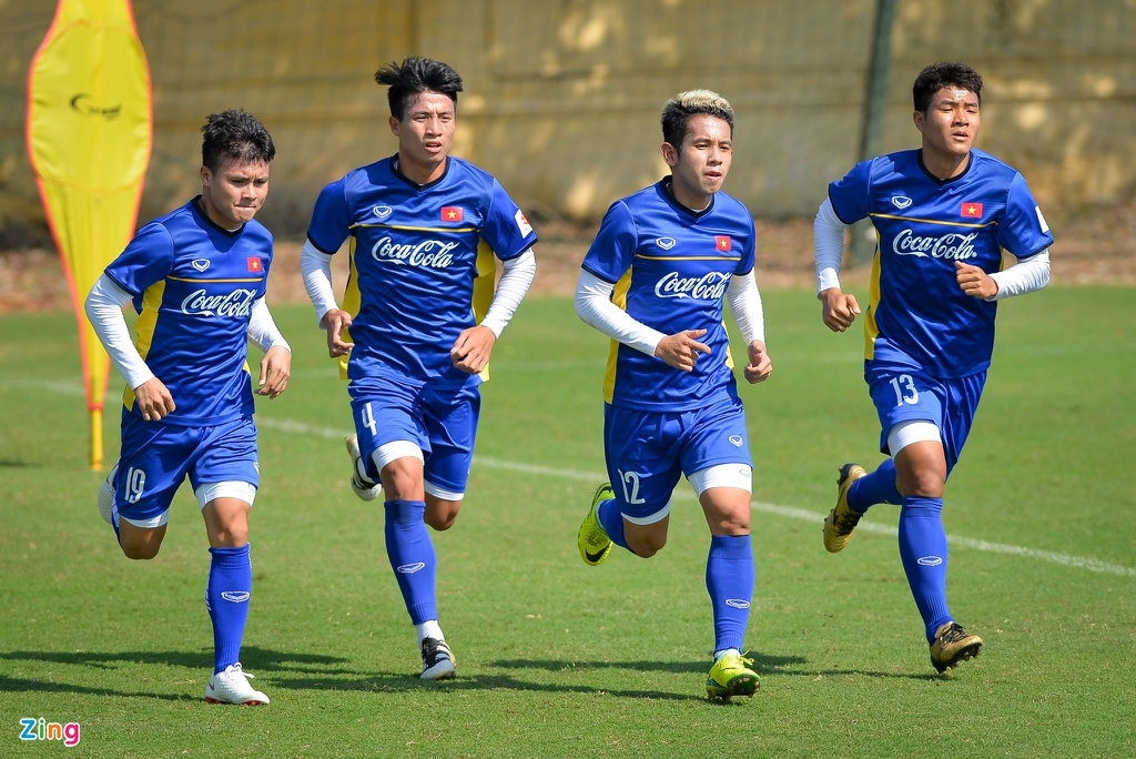 DT Viet Nam ren the luc chuan bi cho AFF Cup hinh anh 7