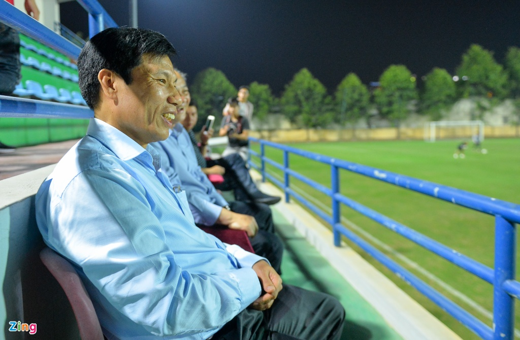 Doi tuyen Viet Nam duoc dong vien truoc gio sang Lao du AFF Cup hinh anh 2