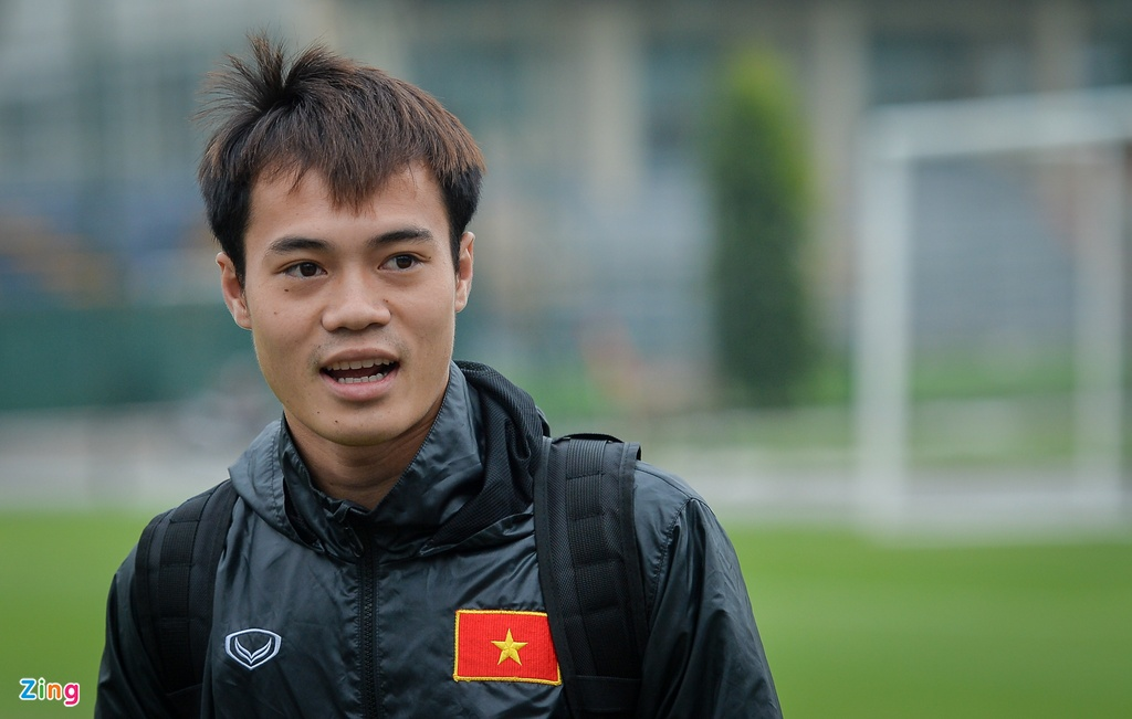 Van Toan, Ngoc Hai tap rieng voi bac si truoc them chung ket AFF Cup hinh anh 1