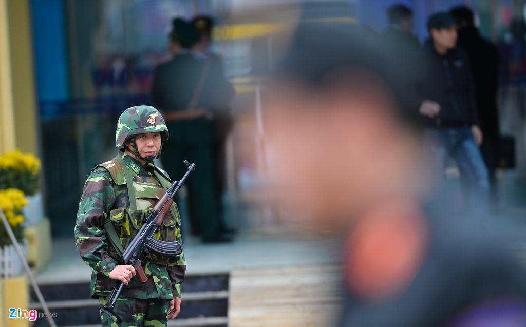 Lap vanh dai an ninh, bo doi day dac quanh ga Dong Dang hinh anh 3