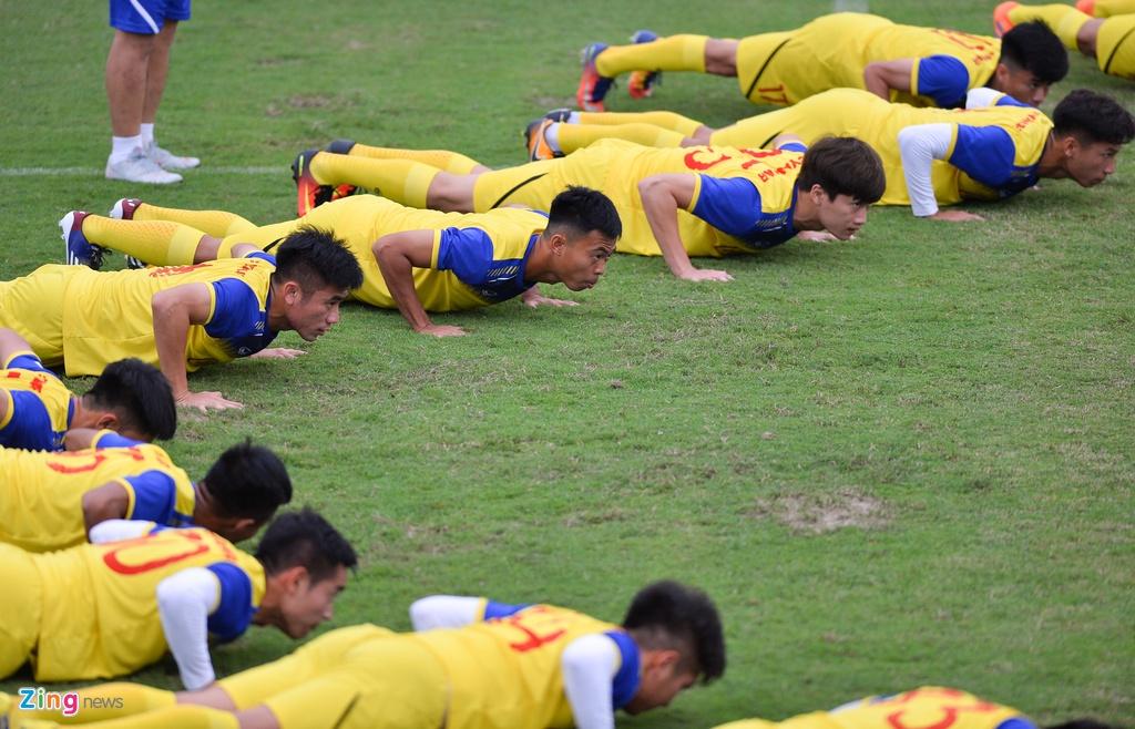 Cau thu U23 Viet Nam 'tho khong ra hoi' sau khi chong day 40 cai hinh anh 2