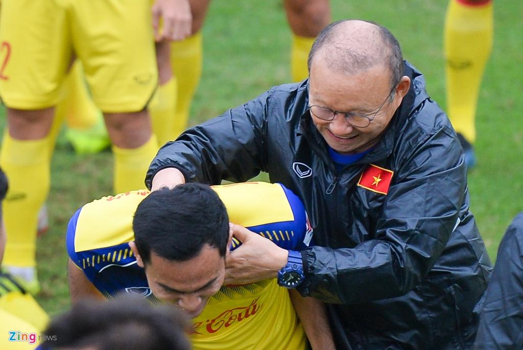 Cau thu U23 Viet Nam 'tho khong ra hoi' sau khi chong day 40 cai hinh anh 8