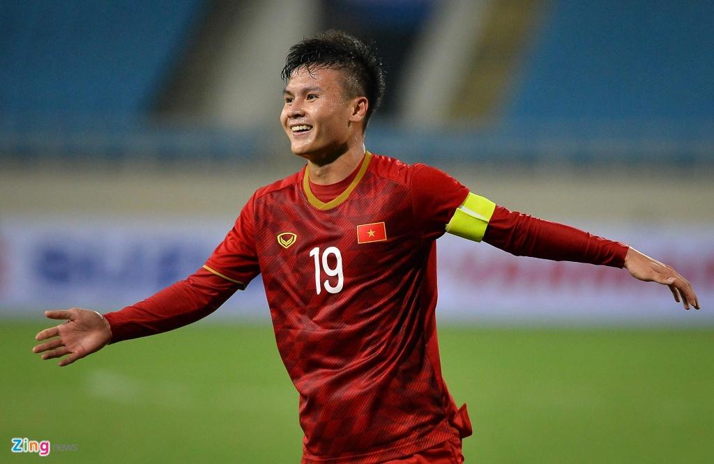 Quang Hai tung nguoi volley trong ngay U23 Viet Nam dai thang hinh anh 10