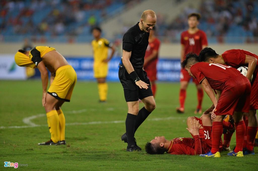 Quang Hai tung nguoi volley trong ngay U23 Viet Nam dai thang hinh anh 7