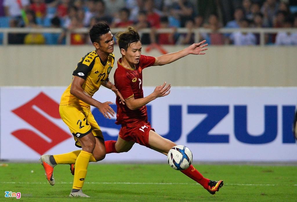 Quang Hai tung nguoi volley trong ngay U23 Viet Nam dai thang hinh anh 8