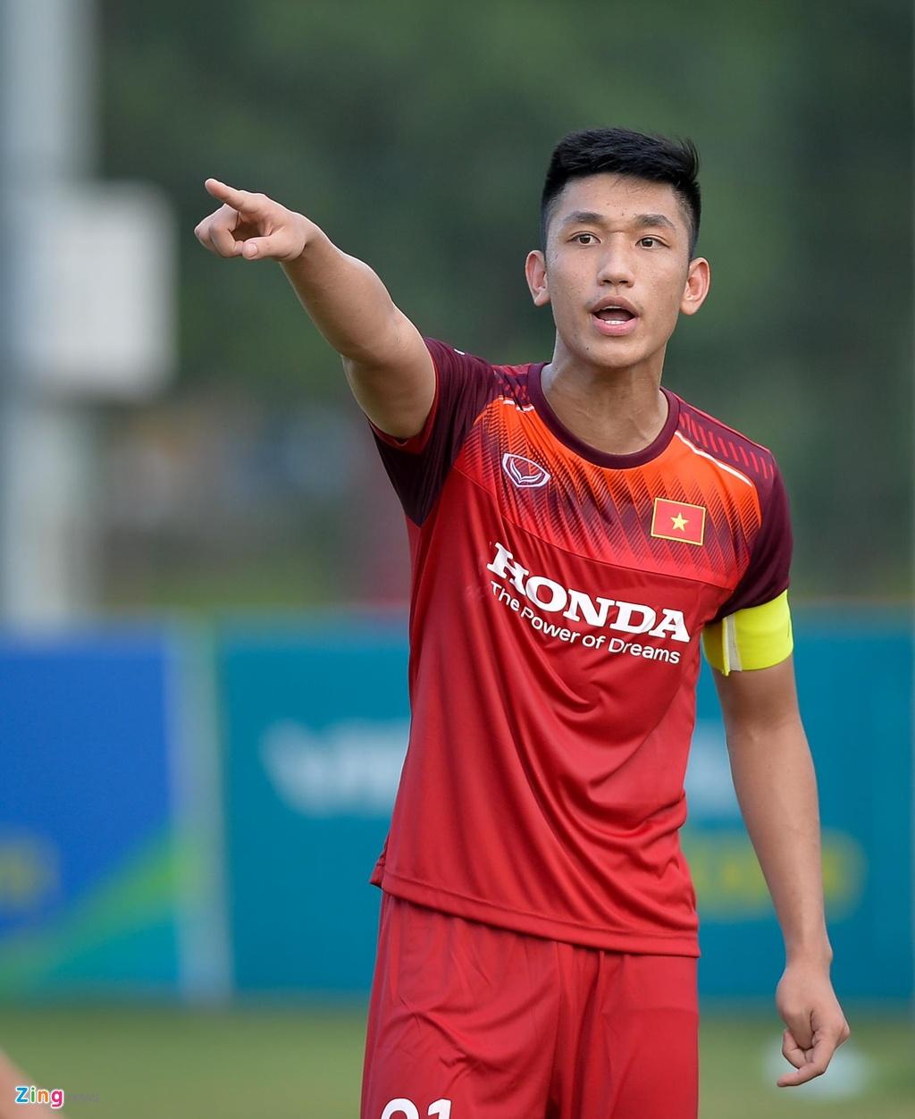 Da giu chan, U23 Viet Nam van mat 2 cau thu vi chan thuong hinh anh 9