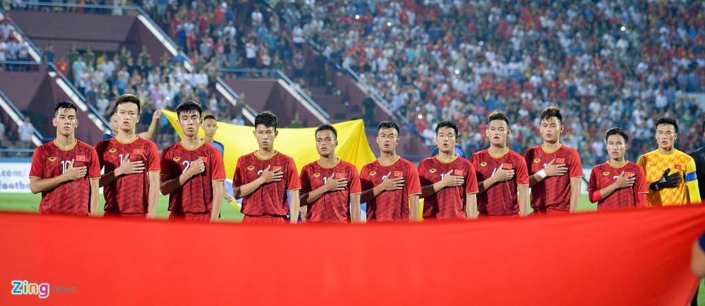 U23 Viet Nam gianh chien thang ngot ngao trong mua lon hinh anh 1